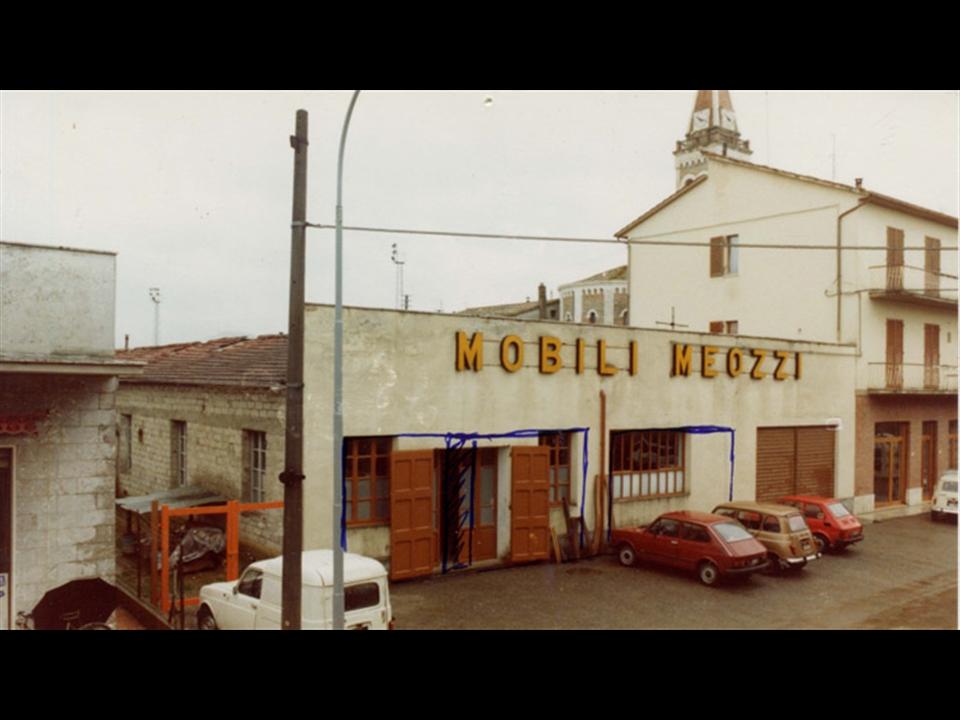 Storia - La facciata dell'esposizione prima della ristrutturazione del 1987.